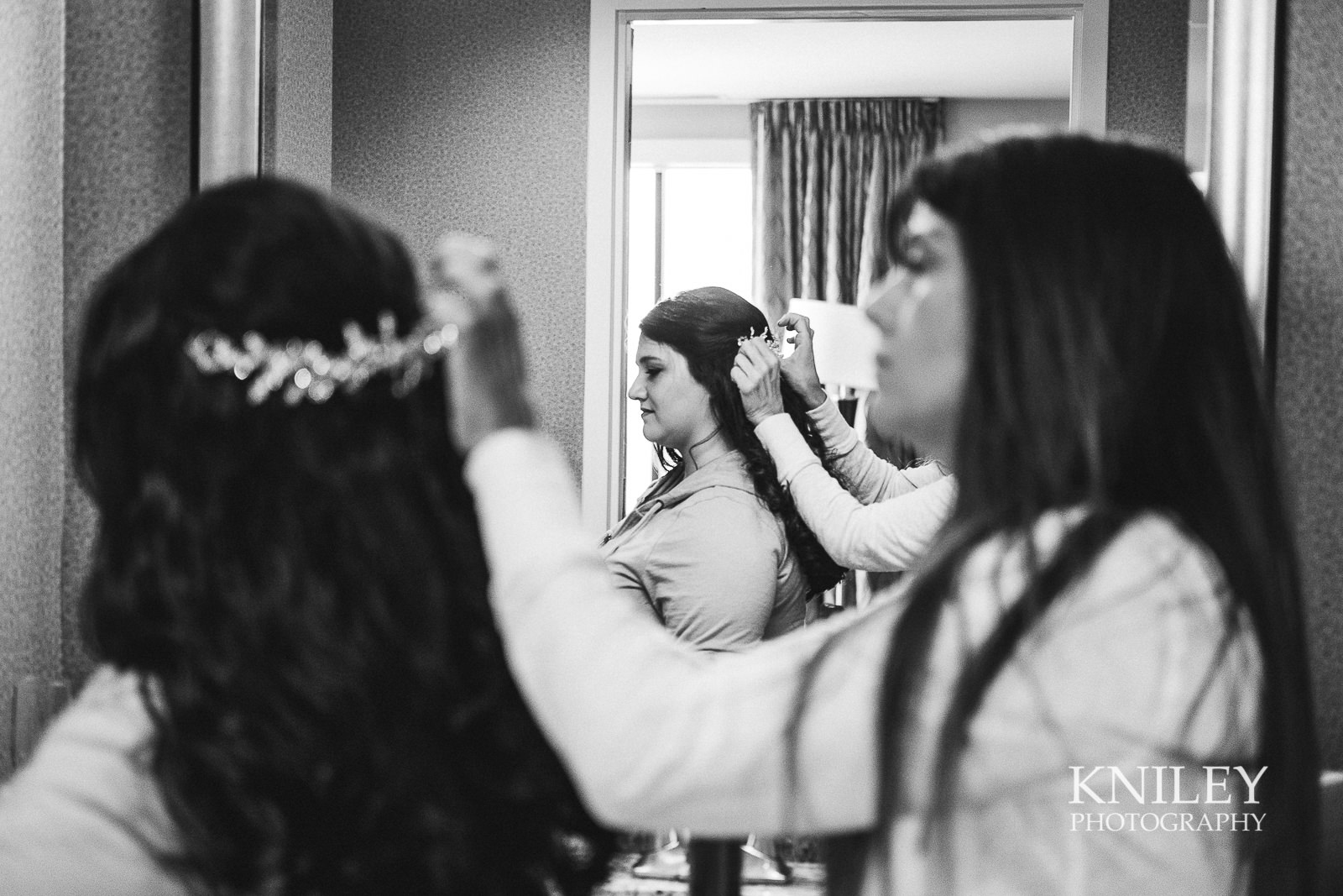 002 - Strathallan Hotel - Rochester NY wedding getting ready pictures - XT2B4308.jpg