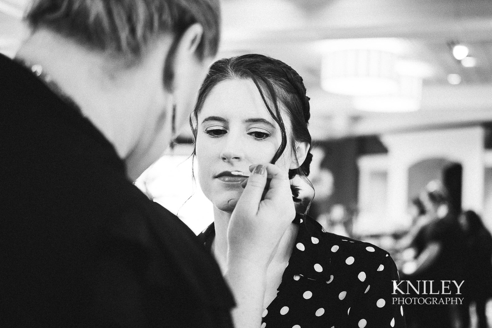 011 - Rochester NY wedding pictures - Del Monte Spa getting ready - XT2B6476.jpg