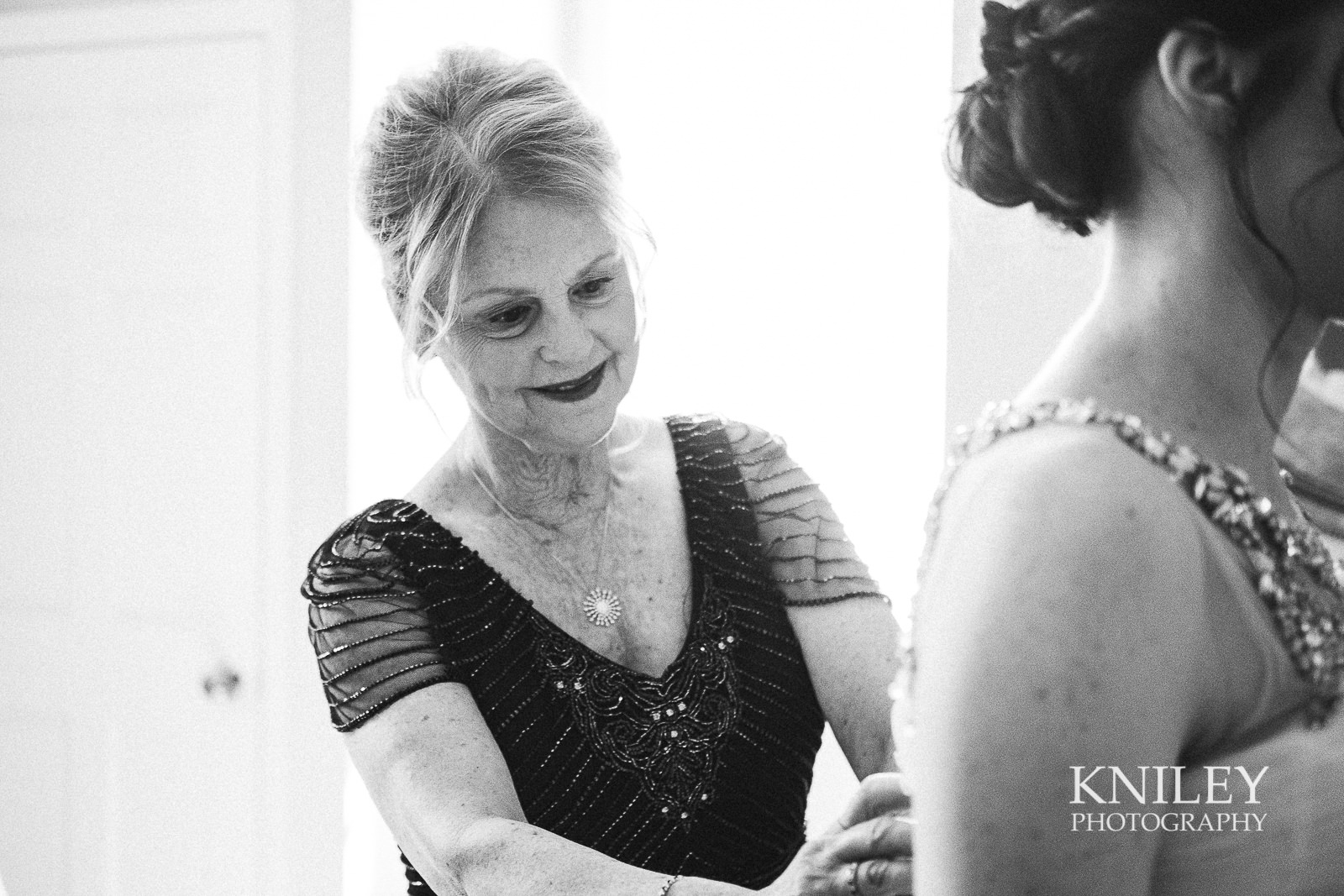 027 - Rochester NY wedding pictures - Genesee Valley Club - Ceremony and Reception - XT2B6611.jpg