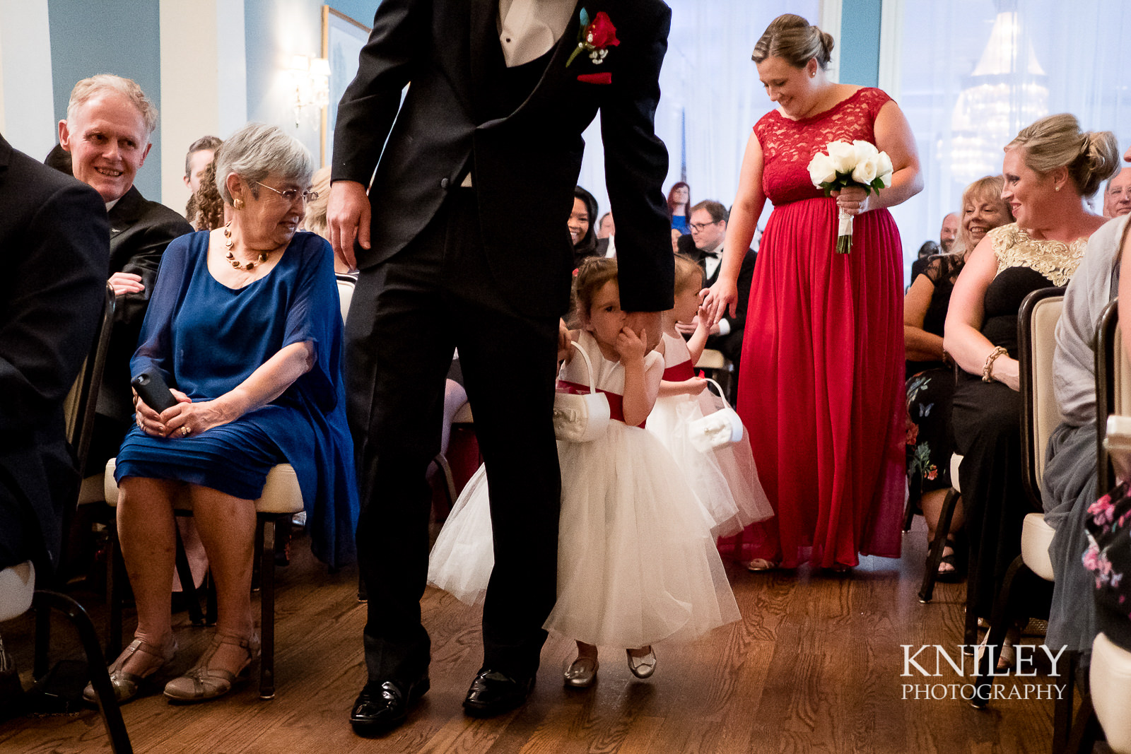 066 - Rochester NY wedding pictures - Genesee Valley Club - Ceremony and Reception - XT2A5551.jpg