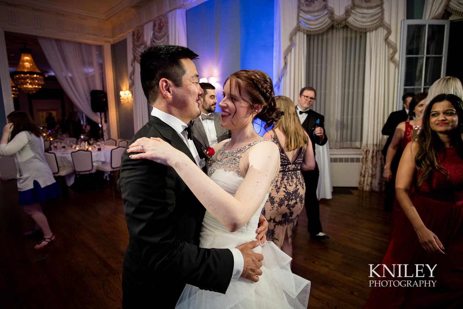 149 - Rochester NY wedding pictures - Genesee Valley Club - Ceremony and Reception - XT2B7558.jpg