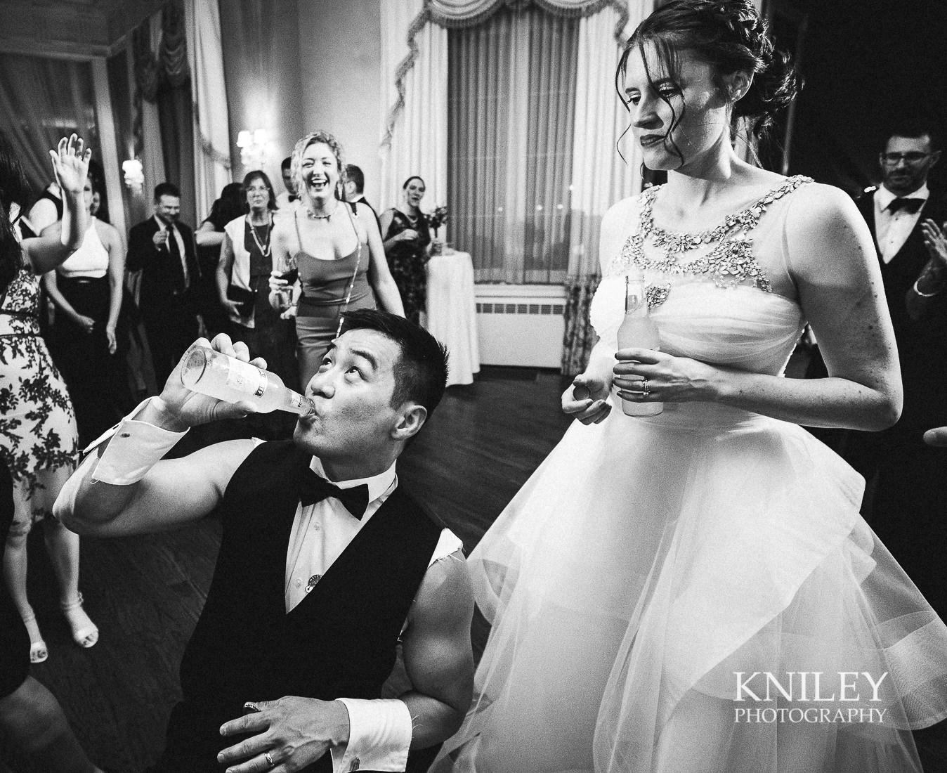 166 - Rochester NY wedding pictures - Genesee Valley Club - Ceremony and Reception - XT2B7798.jpg