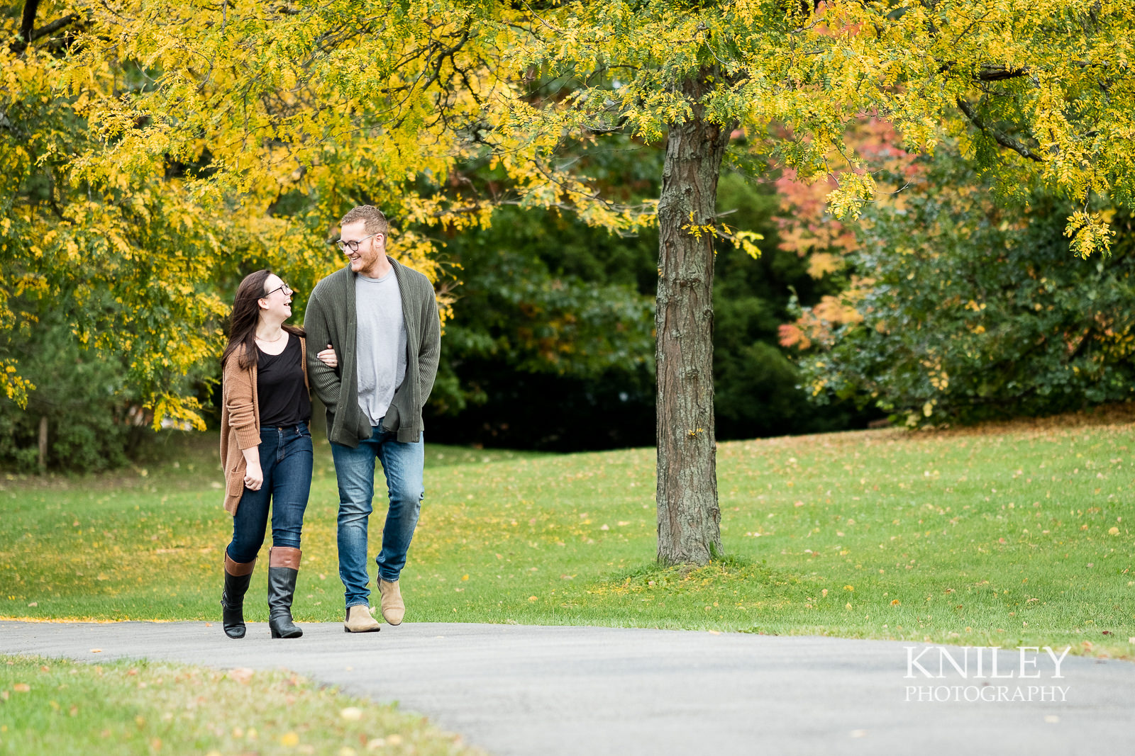 06 - Highland Park Fall Engagement Session - Rochester NY - XT2A1350.jpg