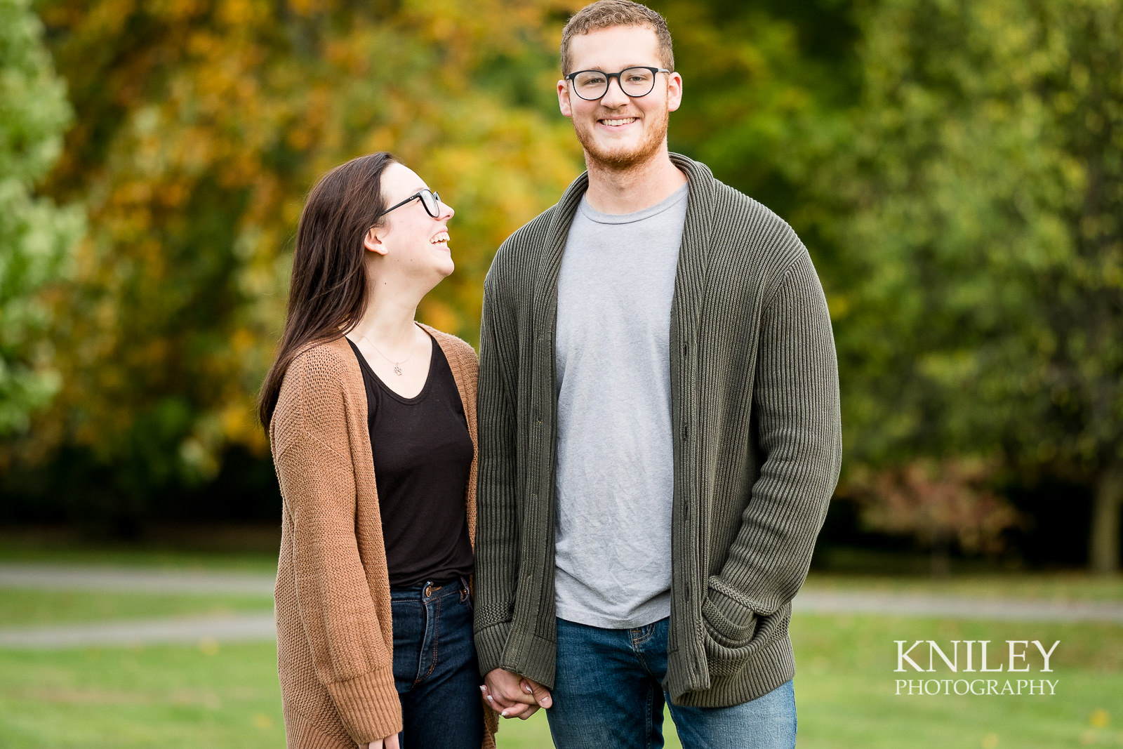 10 - Highland Park Fall Engagement Session - Rochester NY - XT2A1415.jpg
