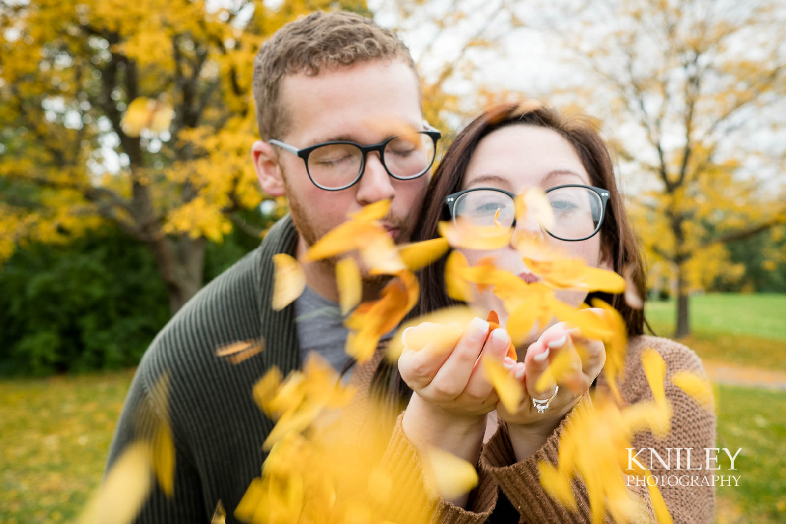 18 - Highland Park Fall Engagement Session - Rochester NY - XT2A1470.jpg