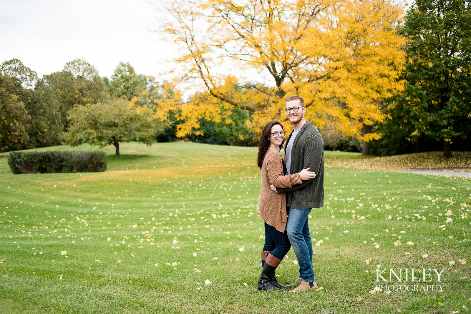 34 - Highland Park Fall Engagement Session - Rochester NY - XT2A1573.jpg