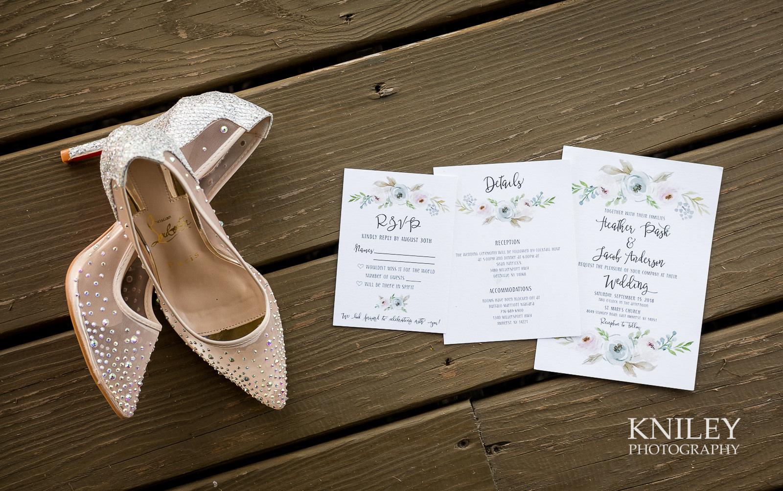 006 - Buffalo NY wedding - Preparation pictures - XT2B8109.jpg
