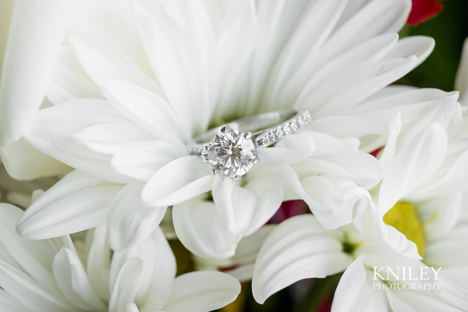 009 - Buffalo NY wedding - Preparation pictures - XT2A6546.jpg