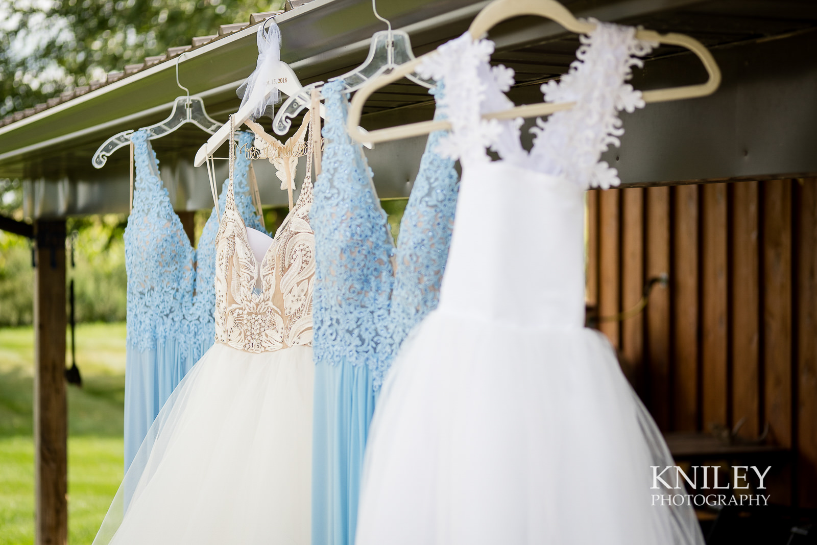 020 - Buffalo NY wedding - Preparation pictures - XT2B8250.jpg