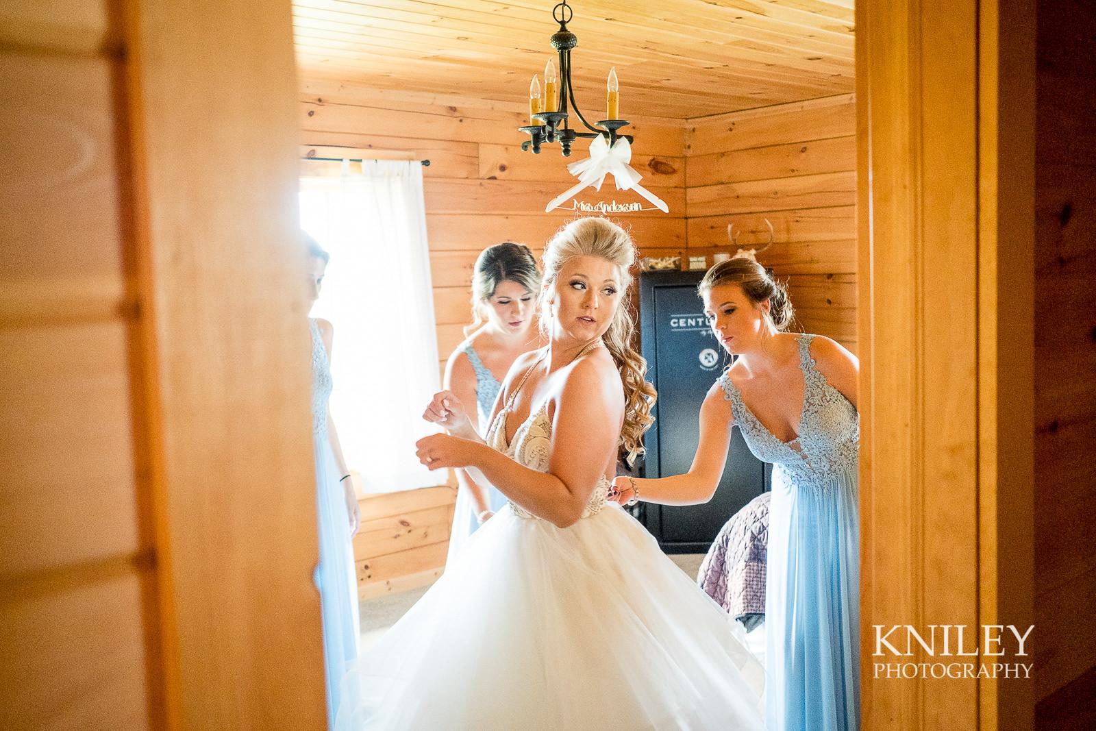 028 - Buffalo NY wedding - Preparation pictures - XT2A6703.jpg