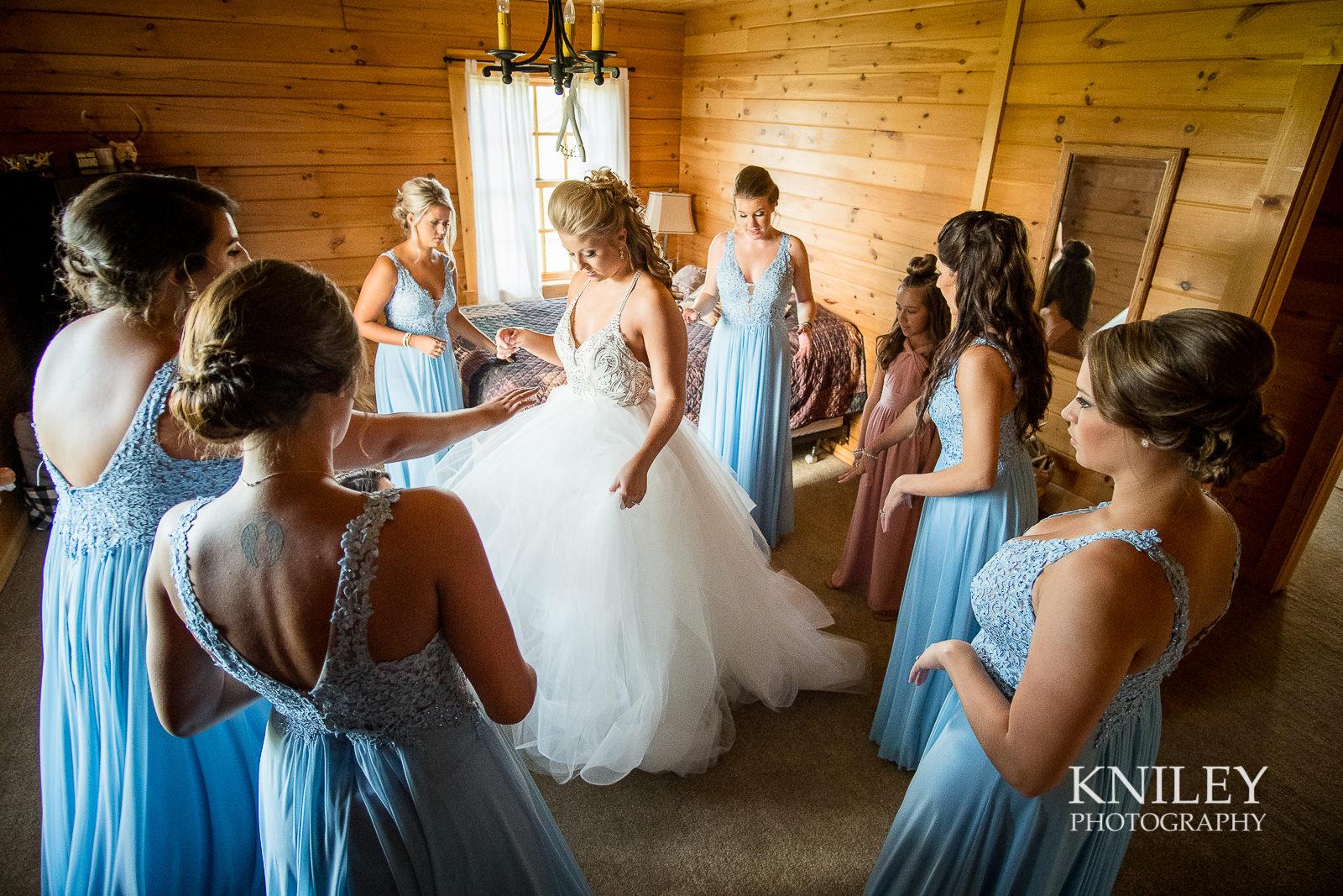 029 - Buffalo NY wedding - Preparation pictures - XT2B8369.jpg