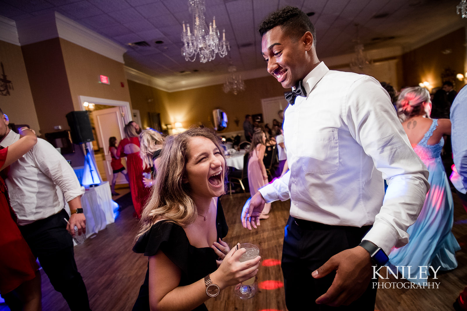 126 - Buffalo NY wedding pictures - Sean Patrick Restaurant Wedding Reception - Getzville - XT2A8220.jpg