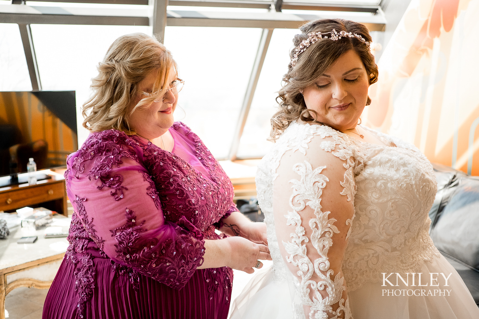 009 - Woodcliff Hotel - Rochester NY wedding photo - Kniley Photography.jpg