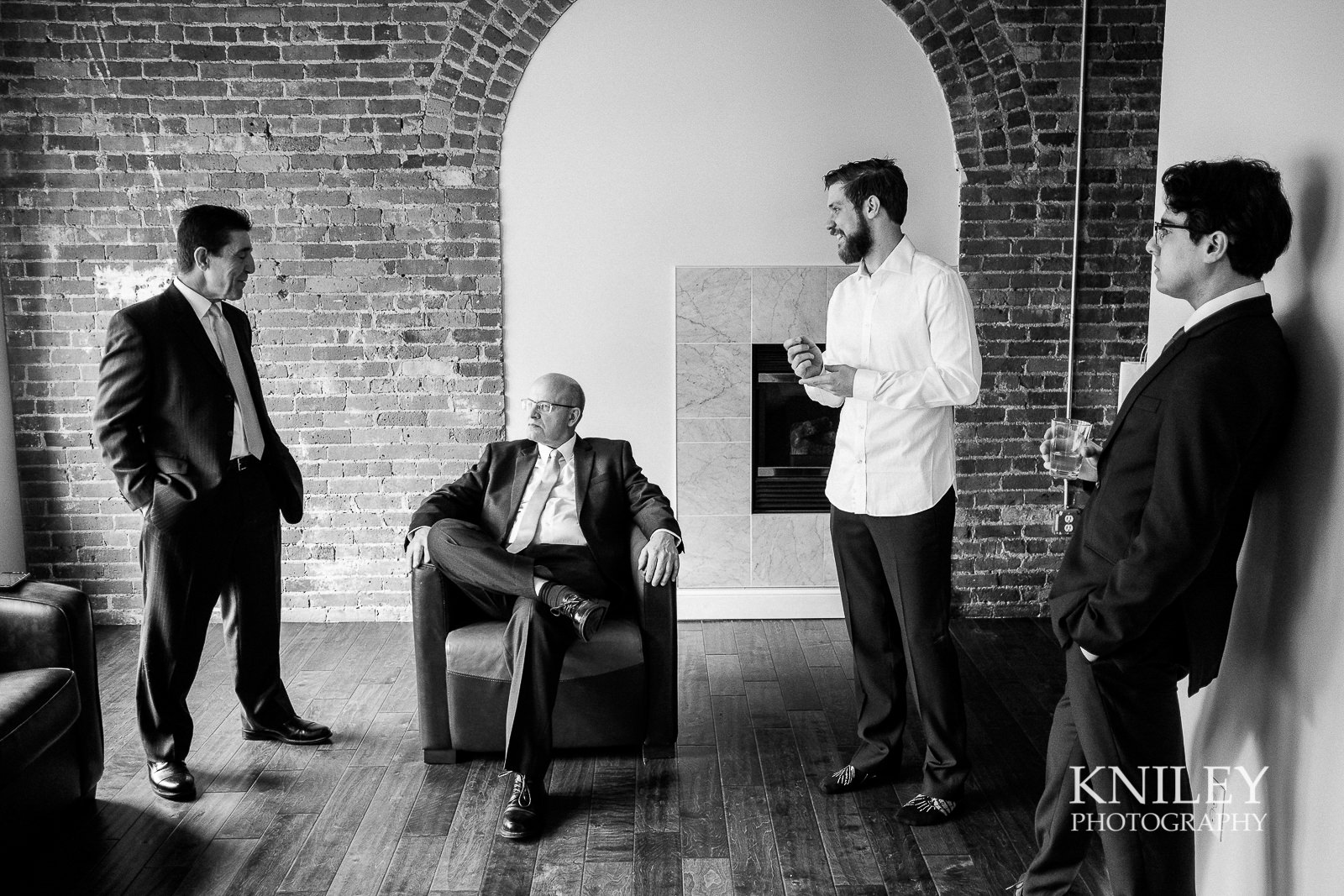 08-Lofts-on-Pearl-Hotel-Buffalo-NY-wedding-getting-ready-photo-Kniley-Photography.jpg