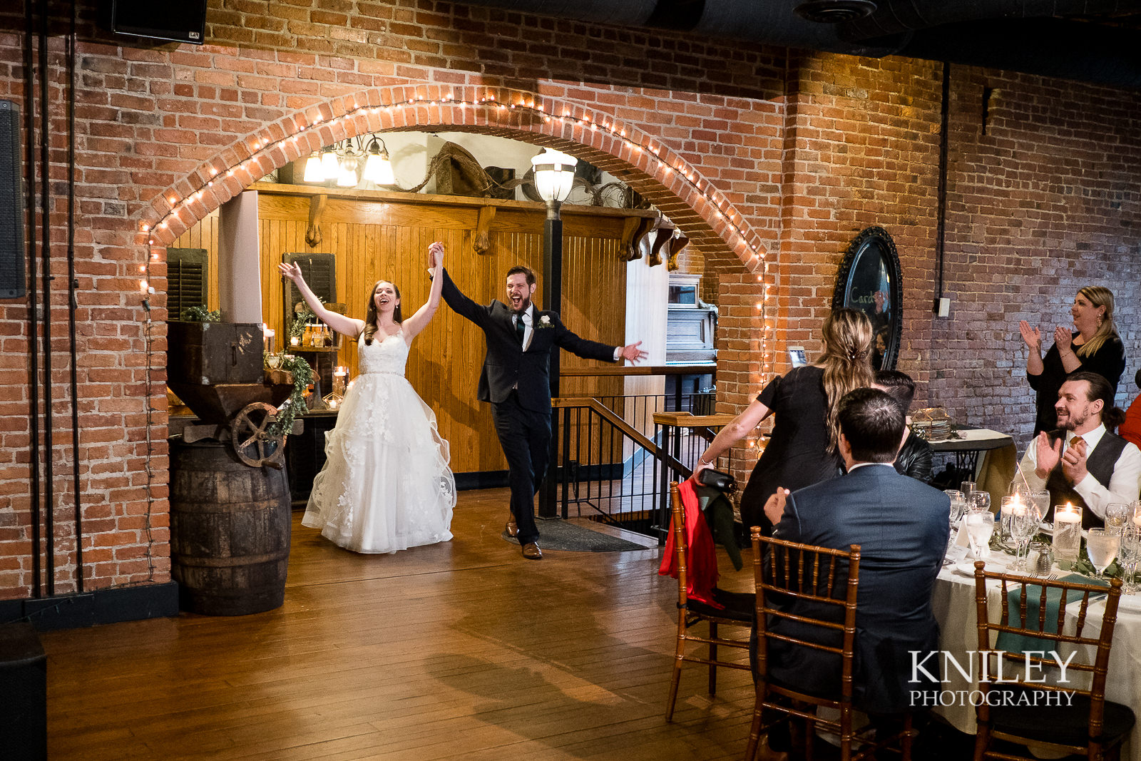 40-Pearl-St-Grill-Wedding-Reception-Buffalo-NY-Kniley-Photography.jpg