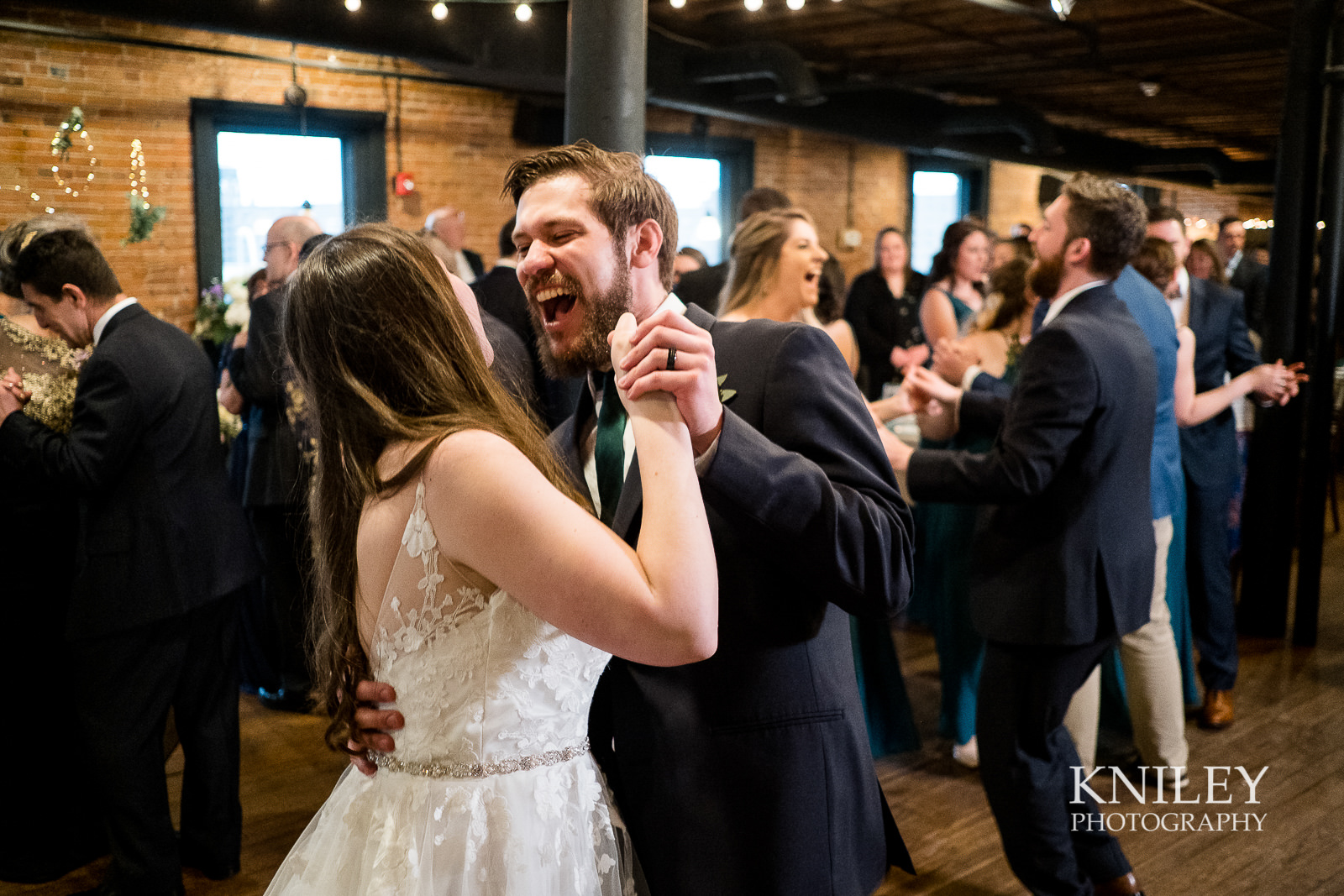 42-Pearl-St-Grill-Wedding-Reception-Buffalo-NY-Kniley-Photography.jpg