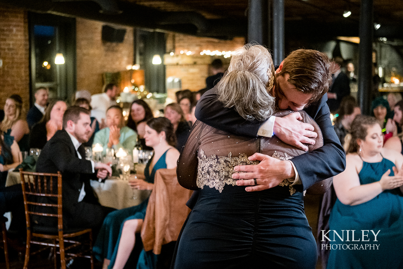 55-Pearl-St-Grill-Wedding-Reception-Buffalo-NY-Kniley-Photography.jpg