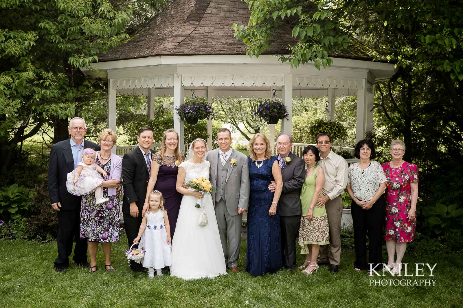 34-Plantation-Party-House-springtime-wedding-Rochester-NY-Kniley-Photography.jpg