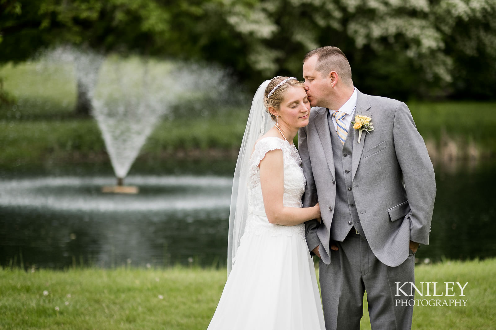 40-Plantation-Party-House-springtime-wedding-Rochester-NY-Kniley-Photography.jpg