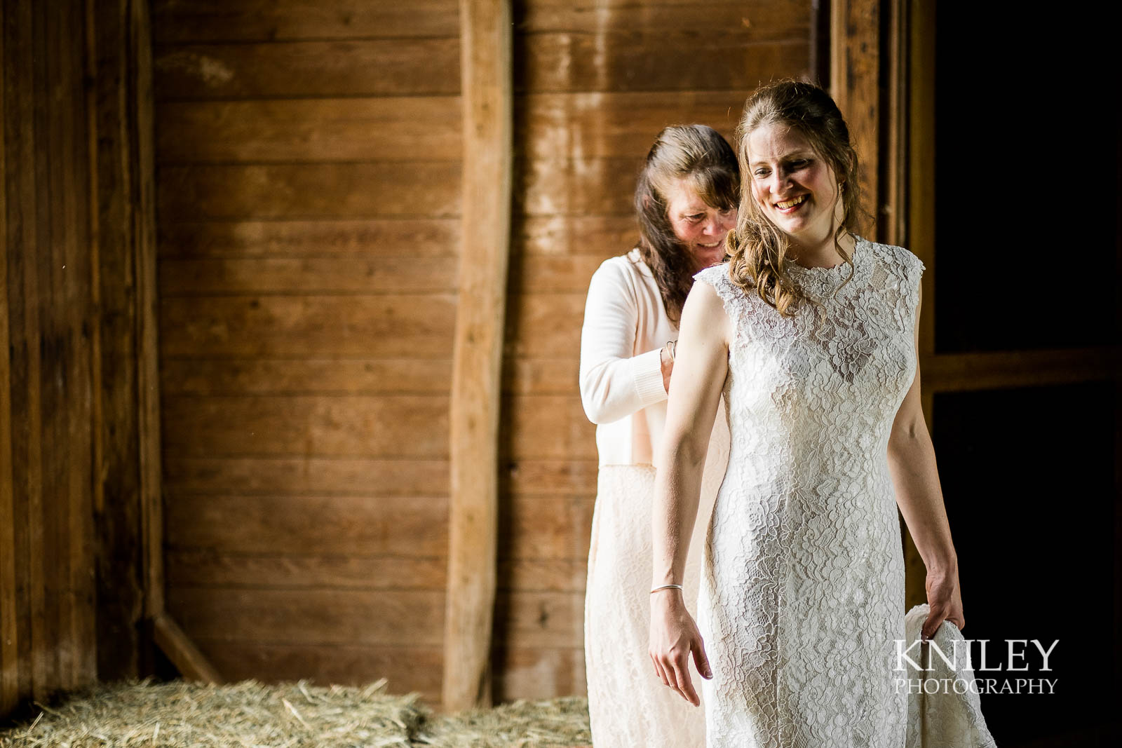07-Western-New-York-farm-wedding-Kniley-Photography.jpg