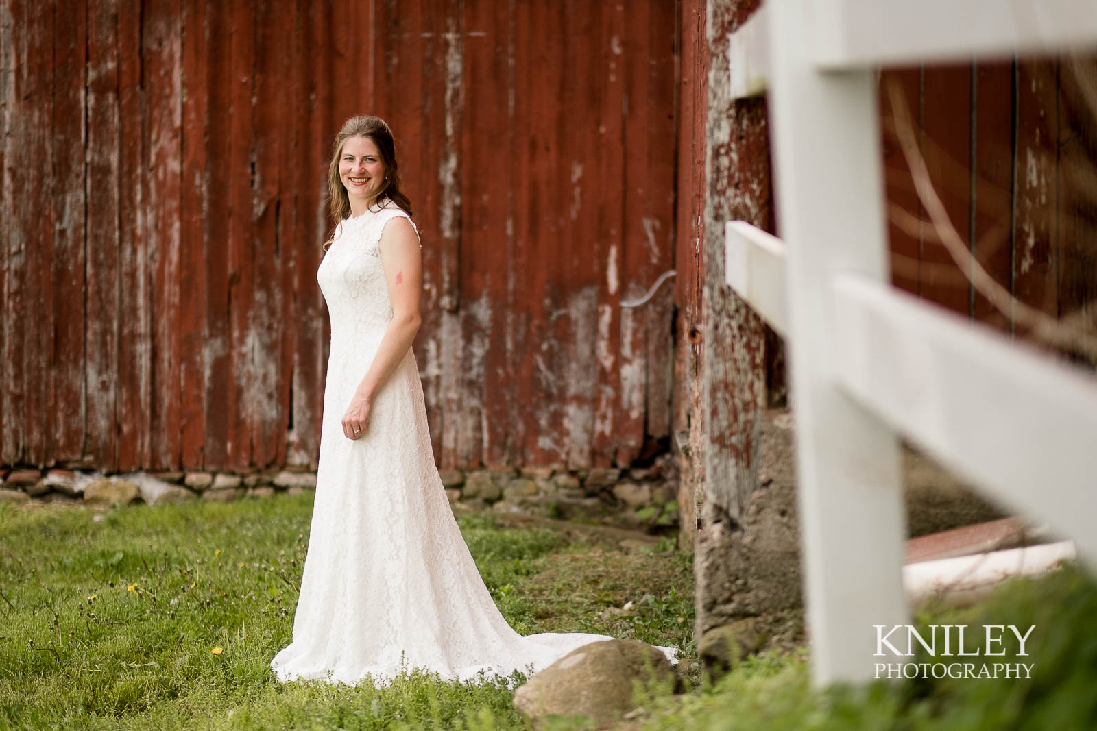10-Western-New-York-farm-wedding-Kniley-Photography.jpg