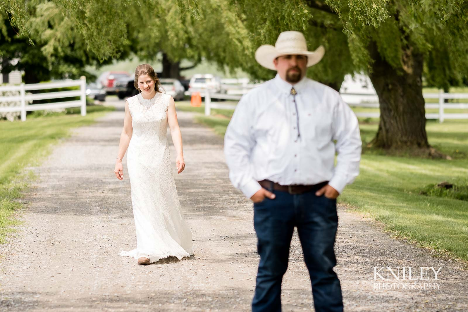 15-Western-New-York-farm-wedding-Kniley-Photography.jpg