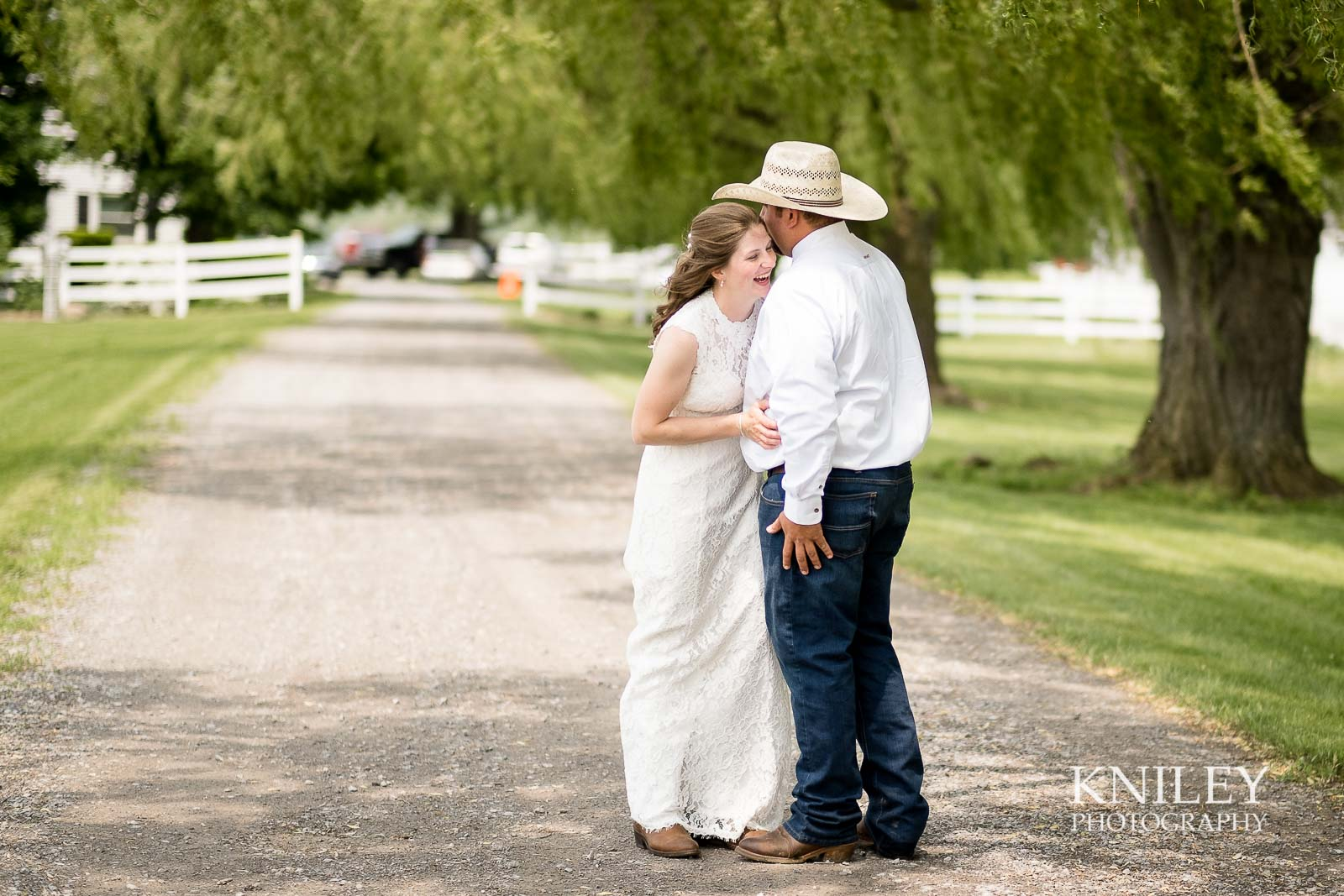 16-Western-New-York-farm-wedding-Kniley-Photography.jpg