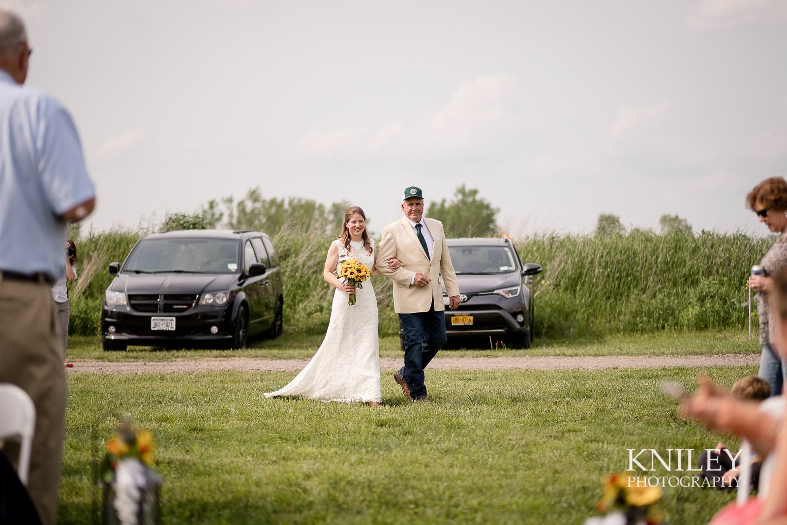 28-Western-New-York-farm-wedding-Kniley-Photography.jpg