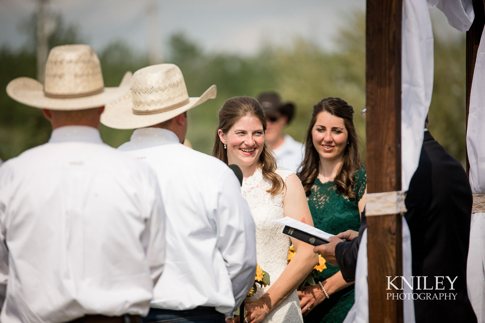 30-Western-New-York-farm-wedding-Kniley-Photography.jpg