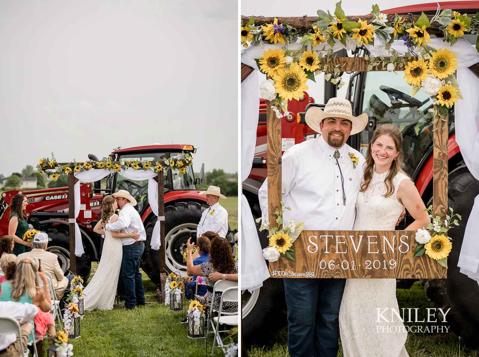 34-Western-New-York-farm-wedding-Kniley-Photography.jpg