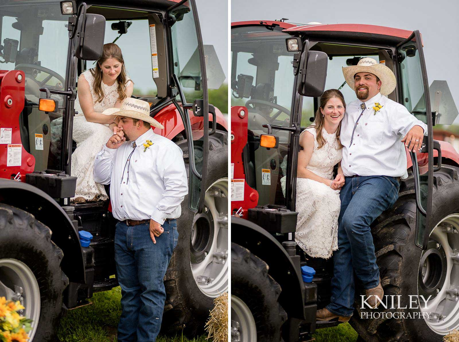 38-Western-New-York-farm-wedding-Kniley-Photography.jpg