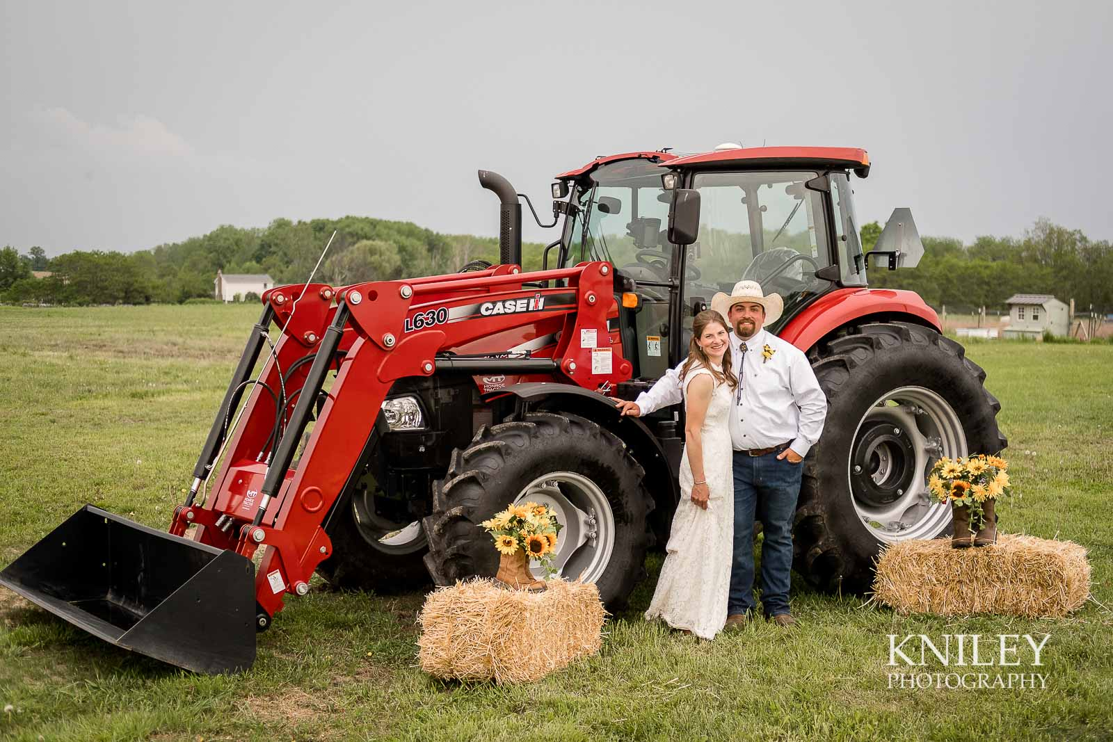 39-Western-New-York-farm-wedding-Kniley-Photography.jpg