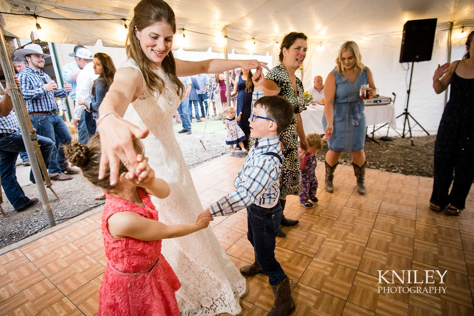 60-Western-New-York-farm-wedding-Kniley-Photography.jpg