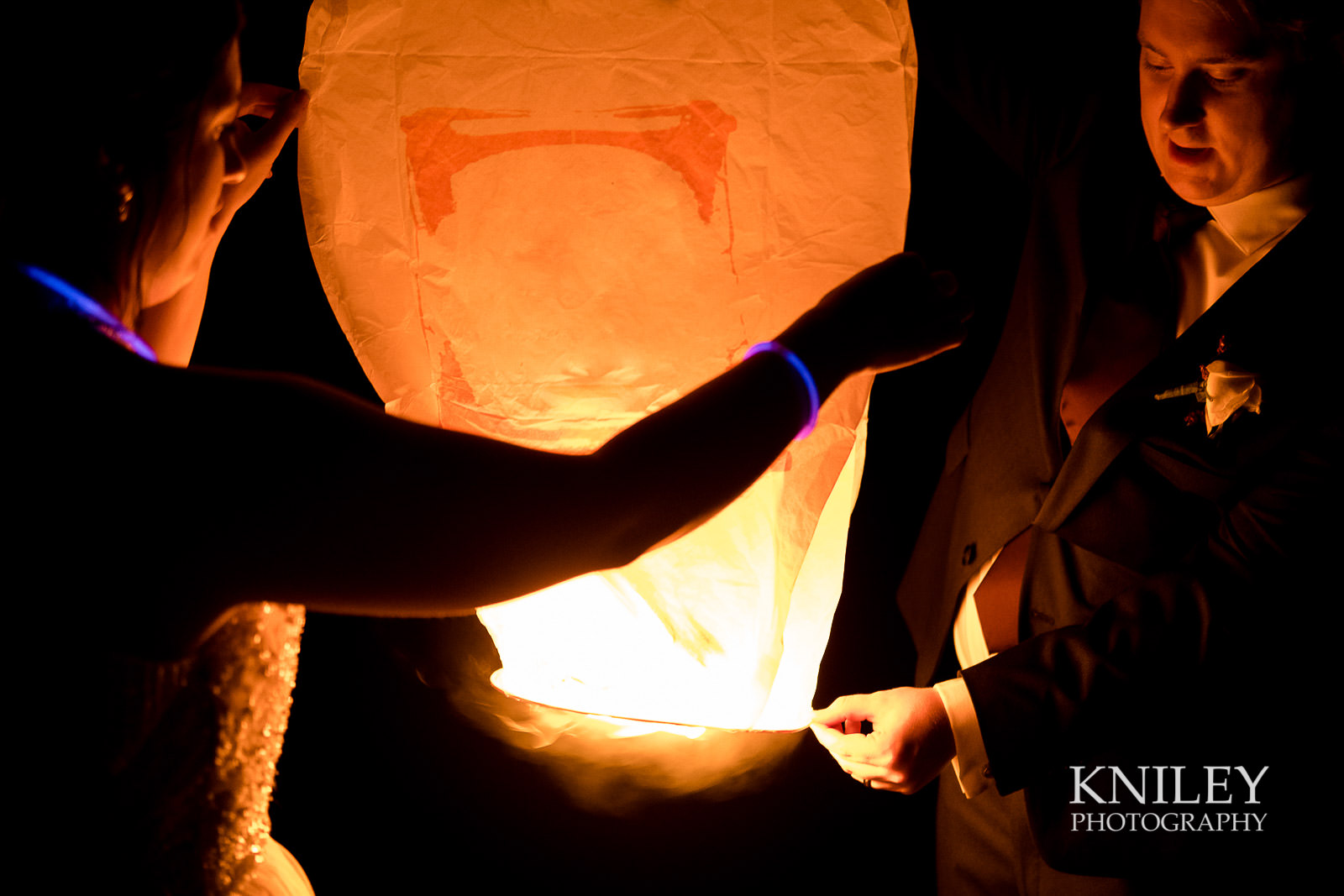61-Redmond-House-Wedding-Nighttime-Lantern-Release-Wedding-Photography.jpg
