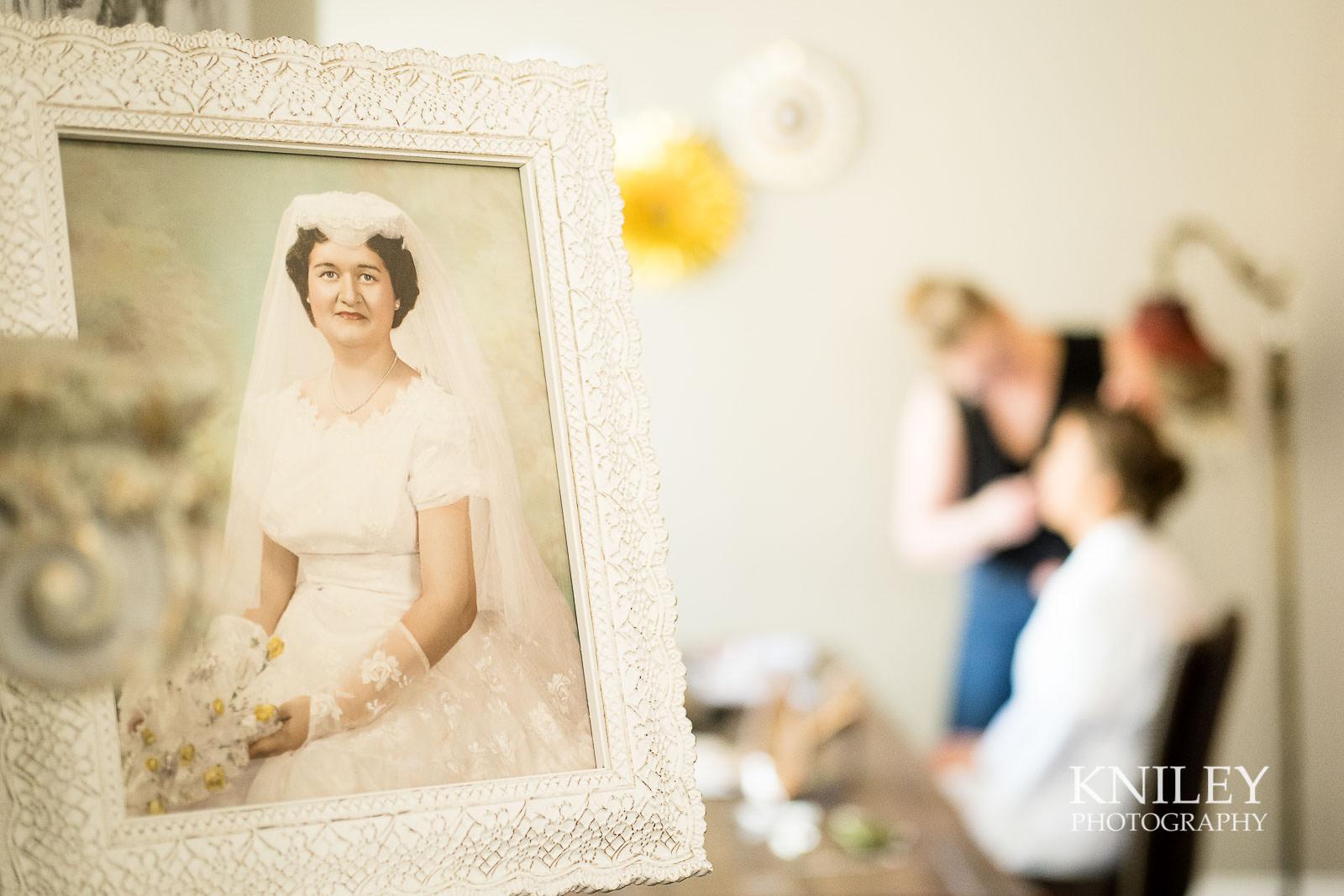 03-Hotel-at-the-Lafayette-wedding-getting-ready-Buffalo-NY-Wedding-Photography.jpg