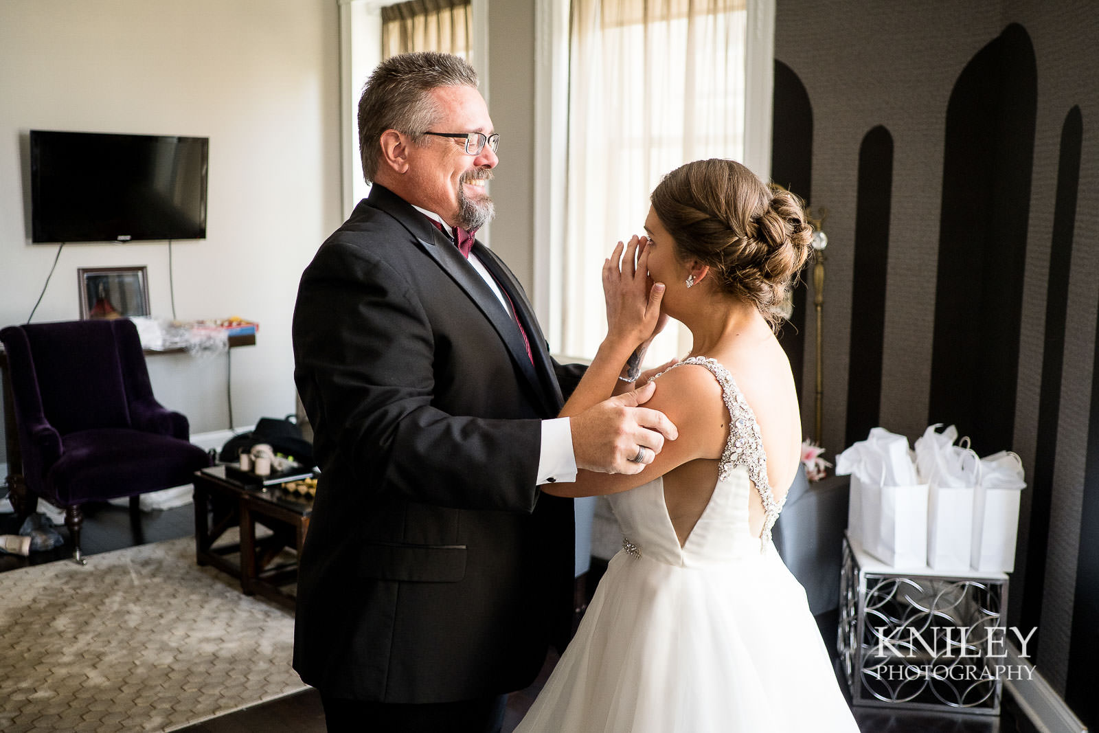 08-Hotel-at-the-Lafayette-wedding-getting-ready-Buffalo-NY-Wedding-Photography.jpg