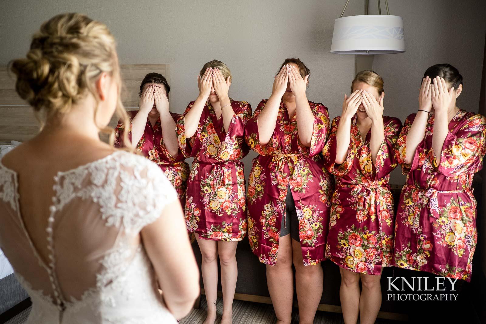 08-Holiday-Inn-Webster-NY-Wedding-Getting-Ready-Photography.jpg