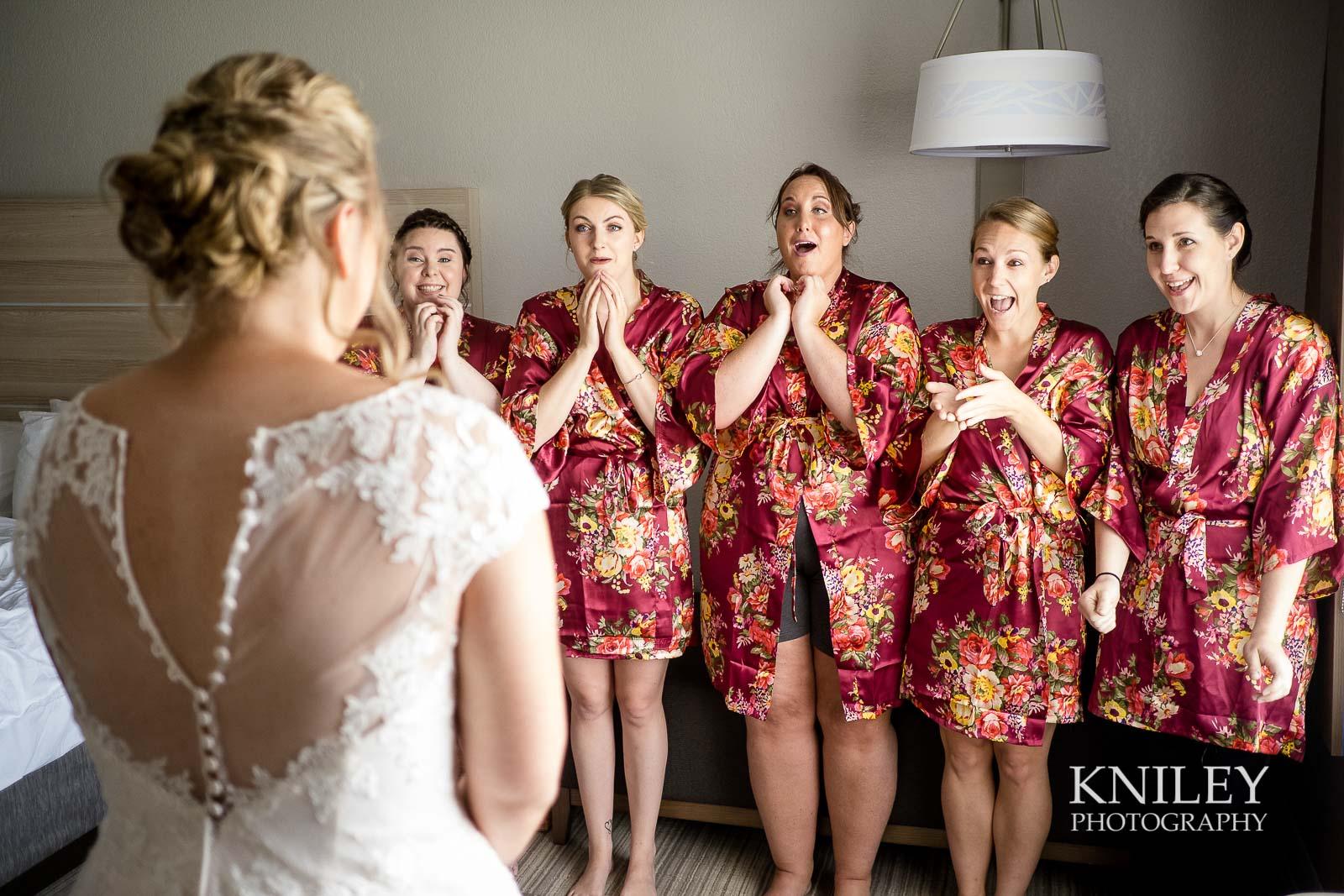 09-Holiday-Inn-Webster-NY-Wedding-Getting-Ready-Photography.jpg