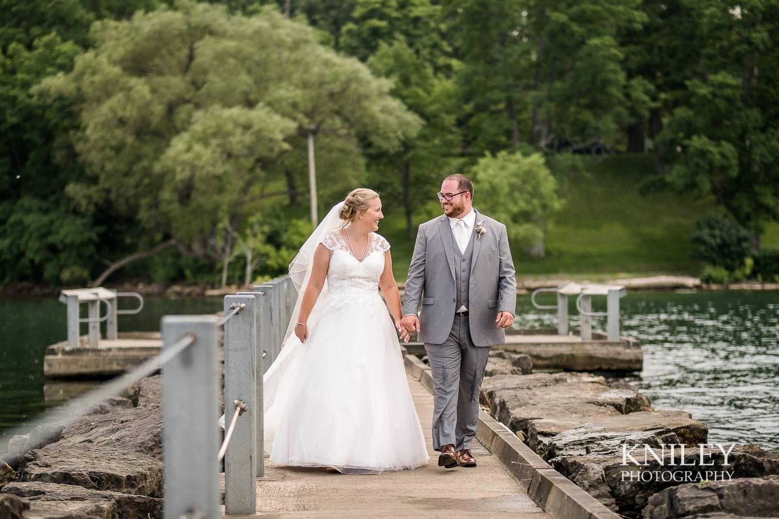 35-Lakefront-Lodge-Webster-NY-Wedding-Photography.jpg
