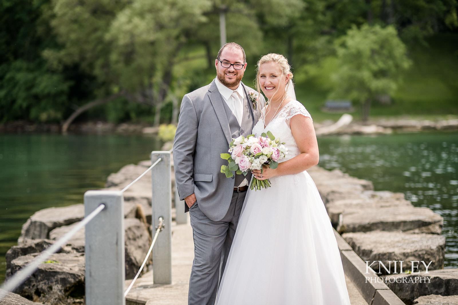 37-Lakefront-Lodge-Webster-NY-Wedding-Photography.jpg