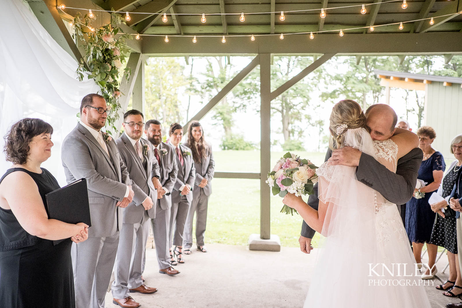 43-Lakefront-Lodge-Webster-NY-Wedding-Photography.jpg