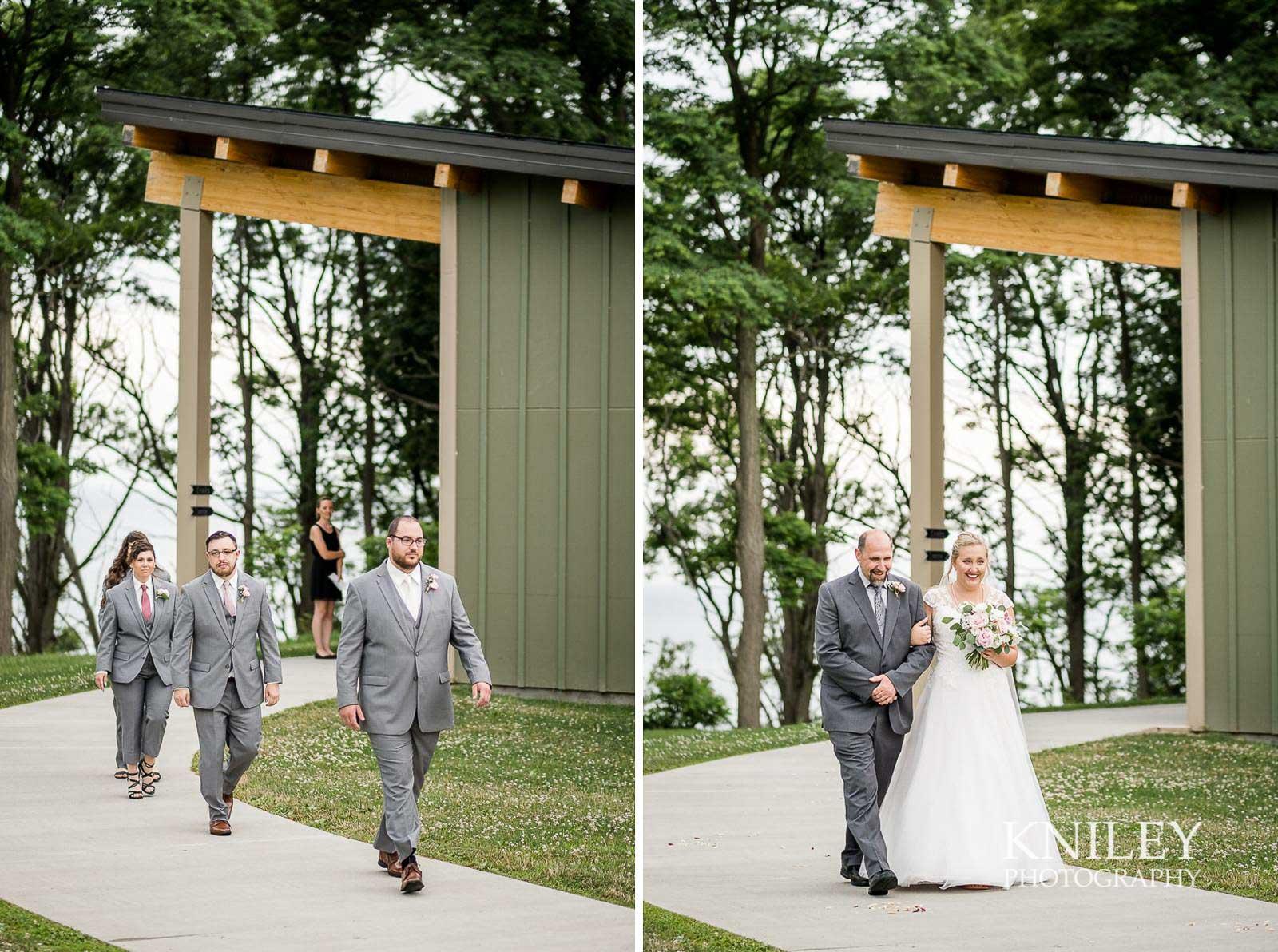45-Lakefront-Lodge-Webster-NY-Wedding-Photography.jpg