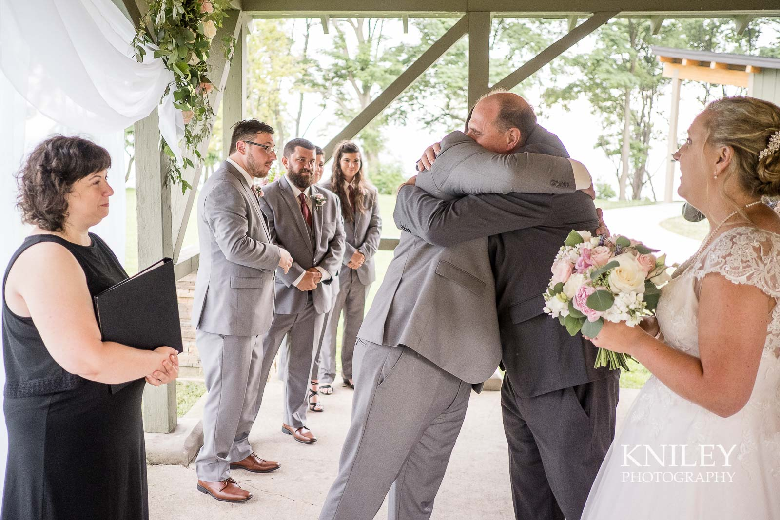 46-Lakefront-Lodge-Webster-NY-Wedding-Photography.jpg