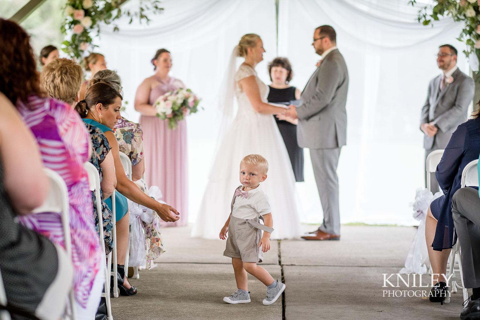 48-Lakefront-Lodge-Webster-NY-Wedding-Photography.jpg