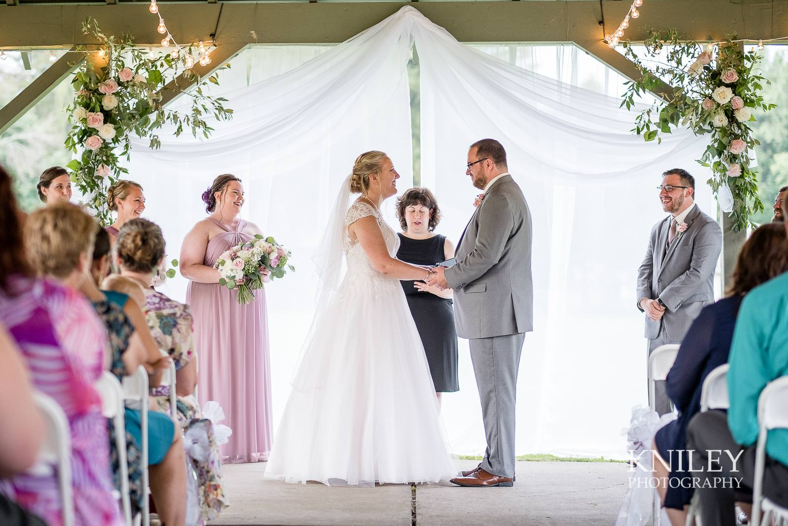 49-Lakefront-Lodge-Webster-NY-Wedding-Photography.jpg