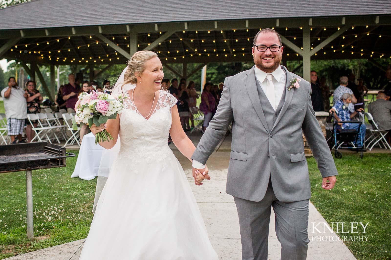 53-Lakefront-Lodge-Webster-NY-Wedding-Photography.jpg