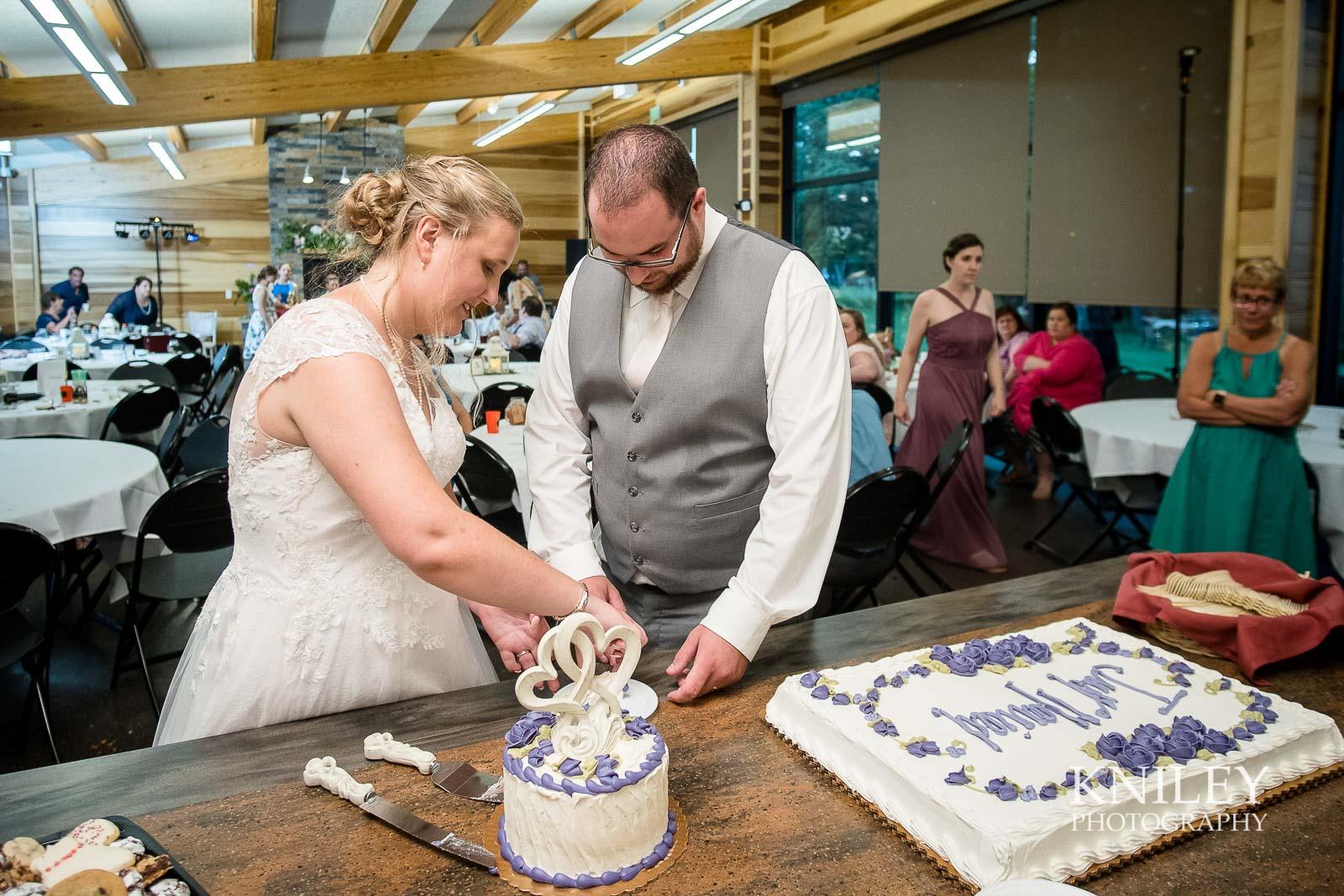 75-Lakefront-Lodge-Webster-NY-Wedding-Photography.jpg