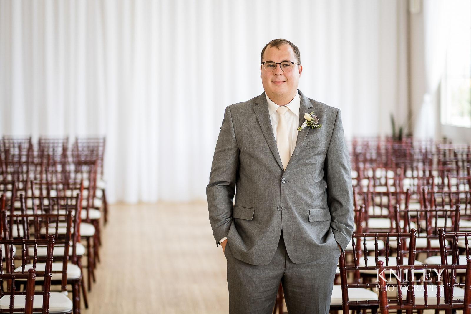 16-Arbor-at-the-Port-Rochester-NY-Wedding-Photography.jpg