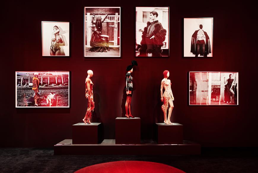 jpg_ngv_brookeholm_HR-1Jean_Paul_Gaultier_Kelly_thompson_blog_illustration_fashion.jpg