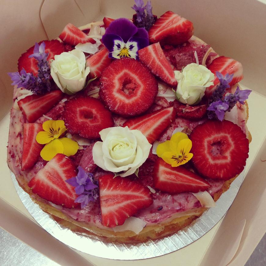 2_Kelly_thompson_blog_hailing_from_home_jordan_rondel_caker_art_design.jpg